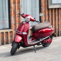 4000w-eec-vespa-electric-scooter-with-60v-(2)