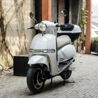 4000w-eec-vespa-electric-scooter-with-60v-(3)